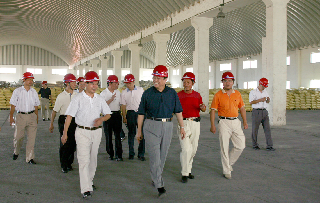 In Aug 2007, member of the Committee of the Center political bureau Mr.Yu Zhengsheng visited Dongsheng group.